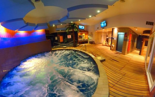 Up All Night: Club D'Elite Spa Review